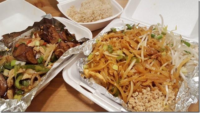pad thai dinner (800x450)