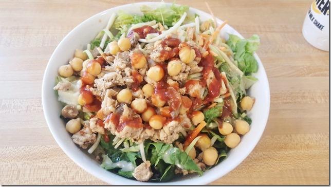 turkey on a salad (800x450)