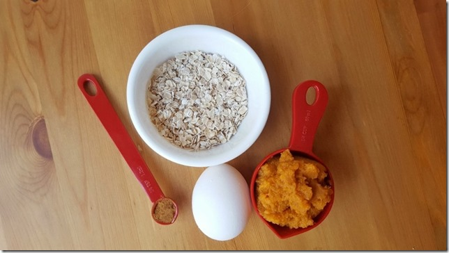easy oatmeal pumpkin muffin 15 (450x800)
