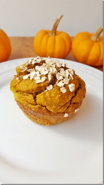 easy oatmeal pumpkin muffin 7 (450x800)