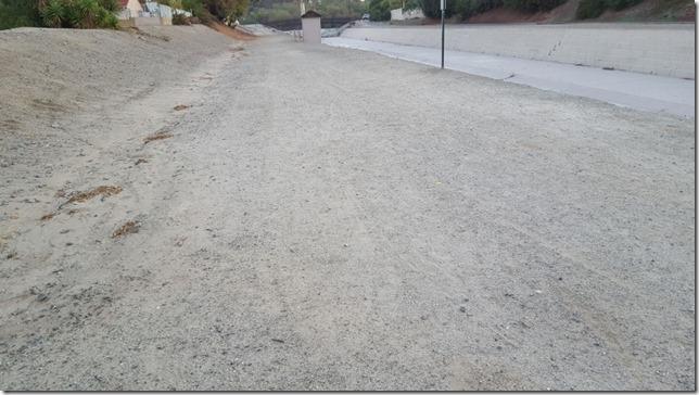 running on dirt (800x450)