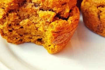 Super Easy Pumpkin Oatmeal Muffins