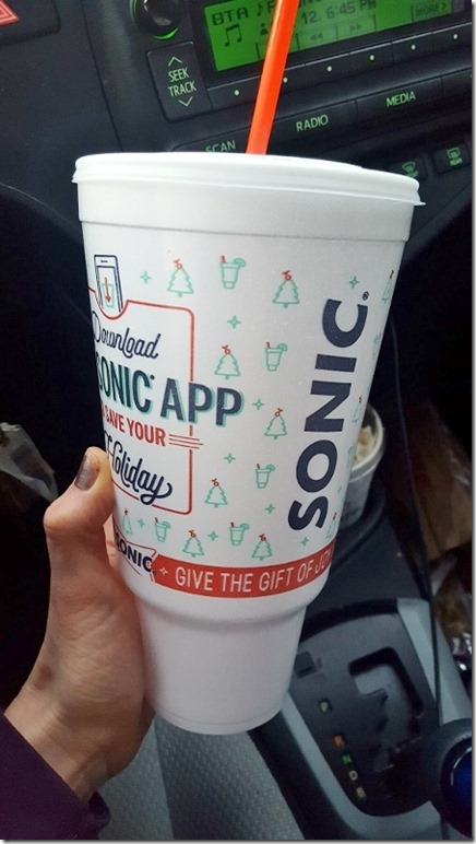 sonic holiday cup (450x800)