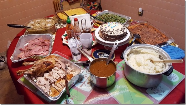 thanksgiving dinner 2 weeks late (800x450)