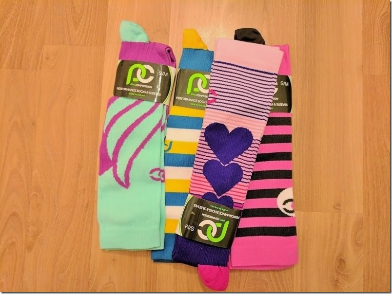 prcompression valentines socks (800x600)
