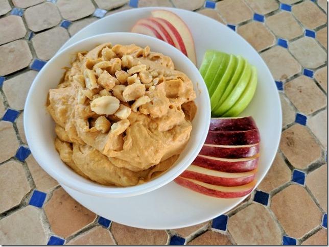 crunchy peanut butter yogurt dip 11 (800x600)