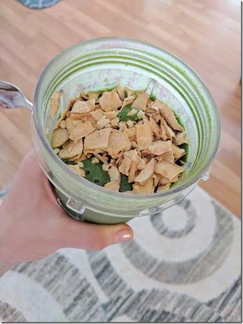 green smoothie with nuts (496x662)