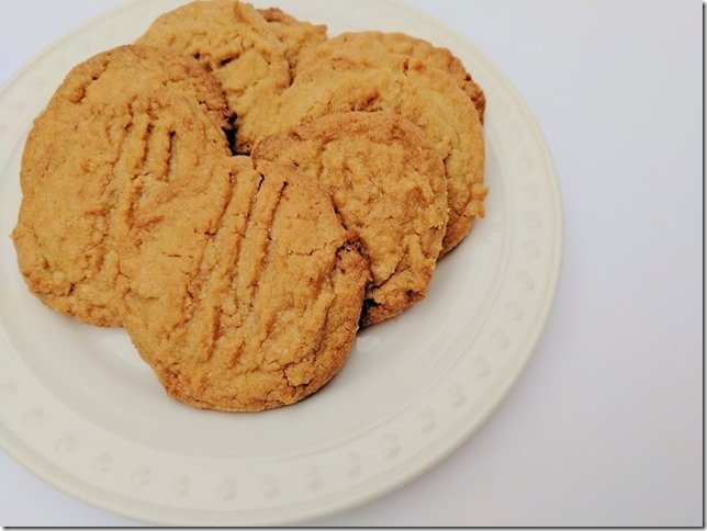 3 ingredient peanut butter cookies recipe 8 (800x600)