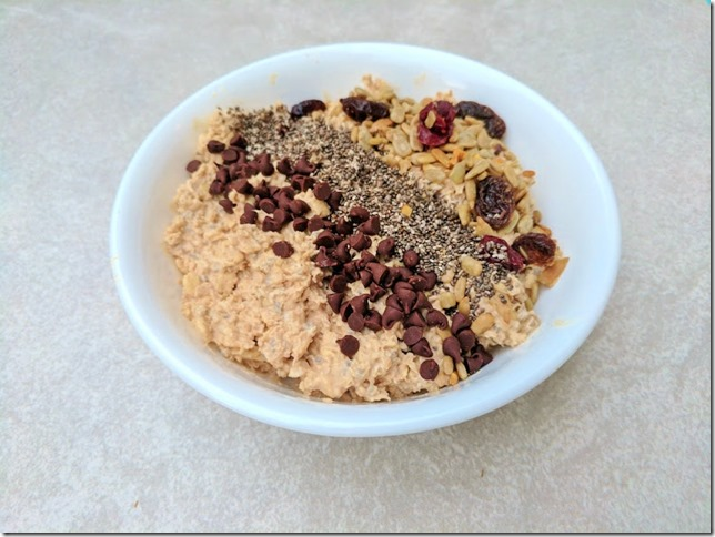 chocolate yogurt oats (785x589)