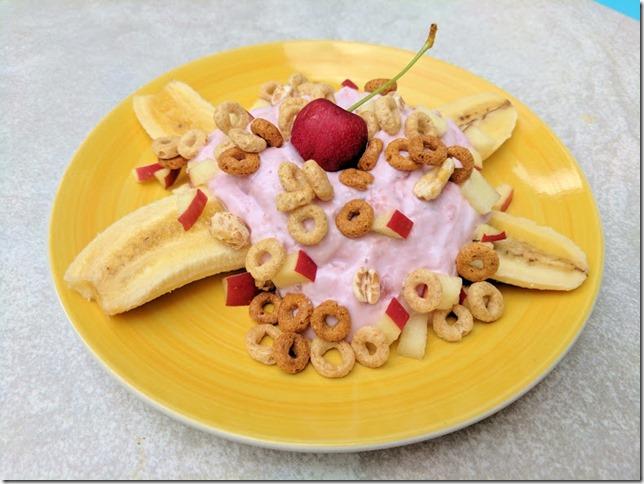 banana split yogurt cereal recipe (785x589)