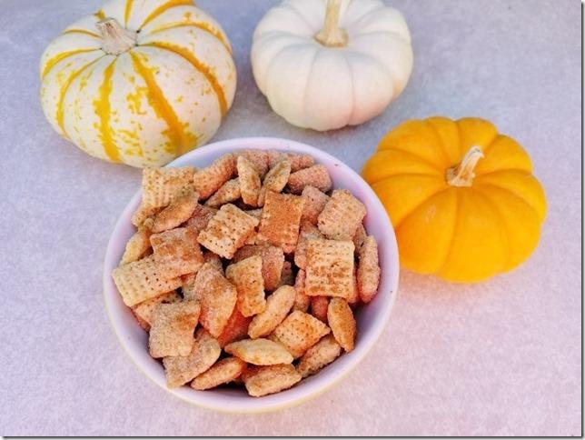 pumpkin spice chex mix (784x588)