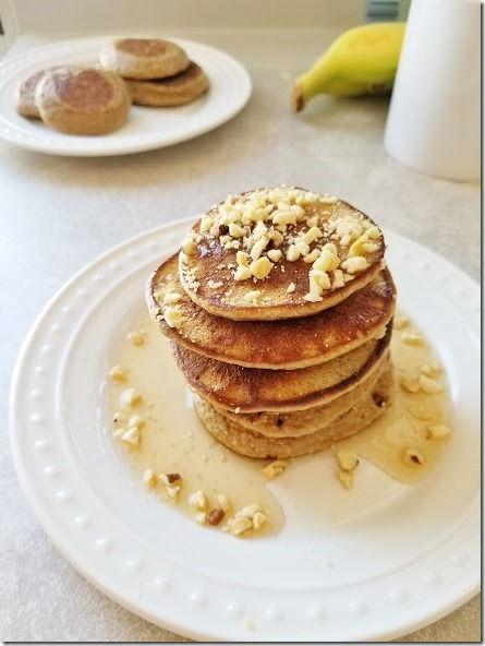 3 ingredient banana pancakes recipe 17 (441x588)