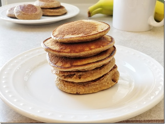 3 ingredient banana pancakes recipe 2 (784x588)