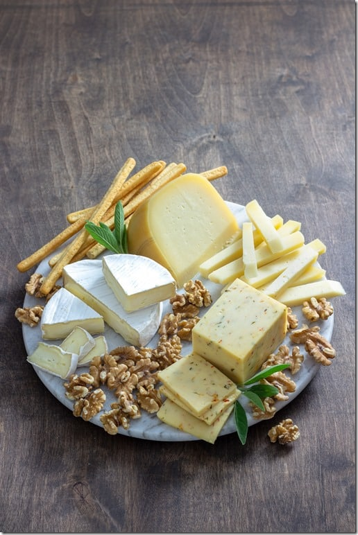 2018_Cheese board - Toma-Brie-Pepper Jack (1)