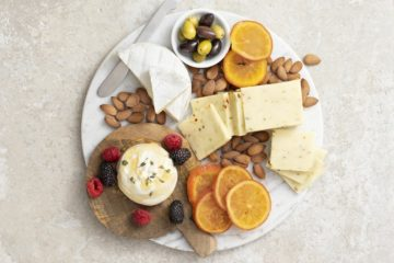 How To Make An Amazing Cheese Board in 3 Steps