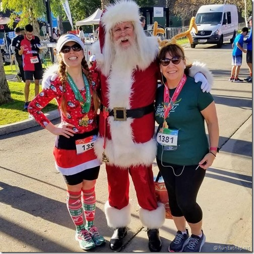 Lexus Lace Up Riverside Santa Claus Run post race picture (800x800)