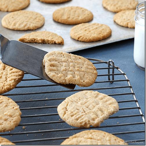 Easy 3 ingredient PB cookies